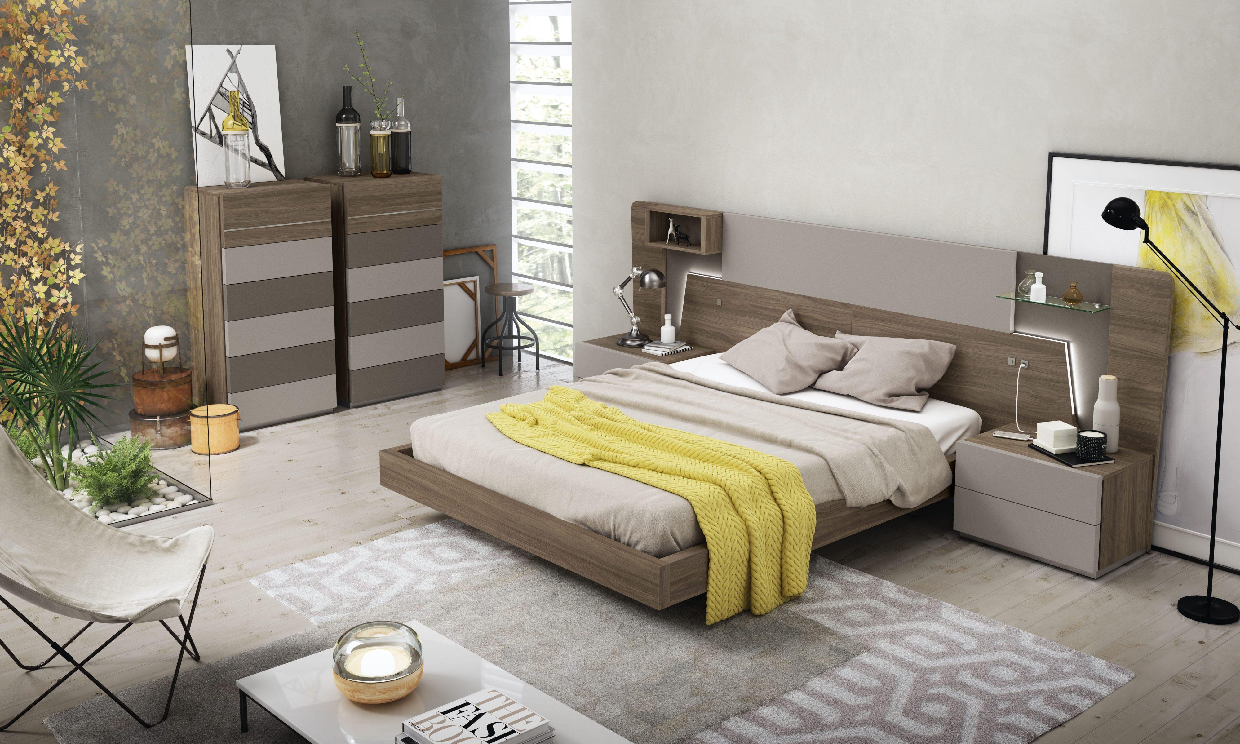 Dormitorio matrimonio con la incorporación de detalles en el que el mueble adquiere un aspecto más refinado y decorativo.