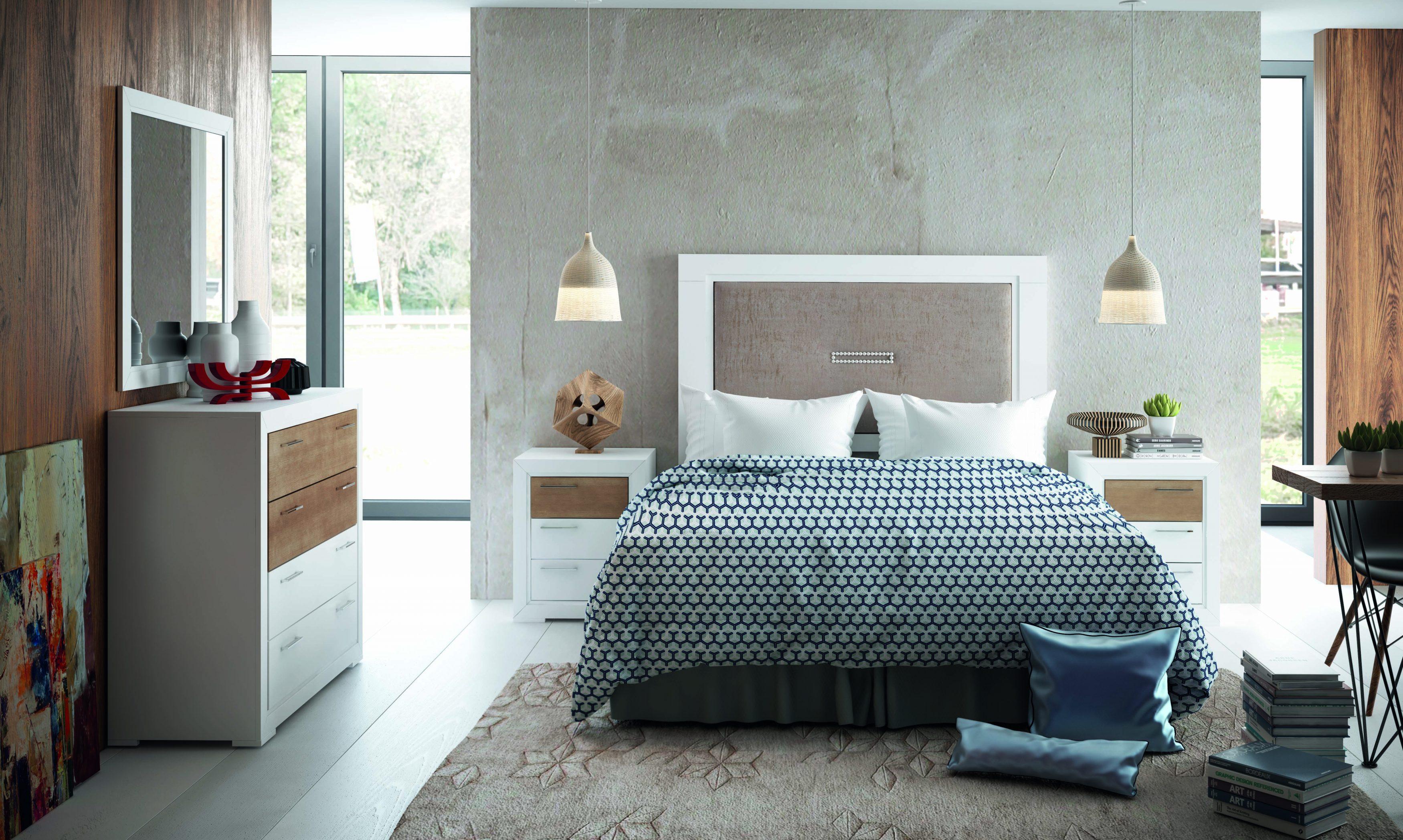 Dormitorio matrimonio en madera con cabecero tapizado, una solución de gran capacidad adaptándose a las necesidades.