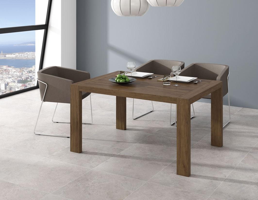 Mesa comedor de 144x90 con sistema extensible portería a 204 cm, en color tostado. Disponible en varios tonos.