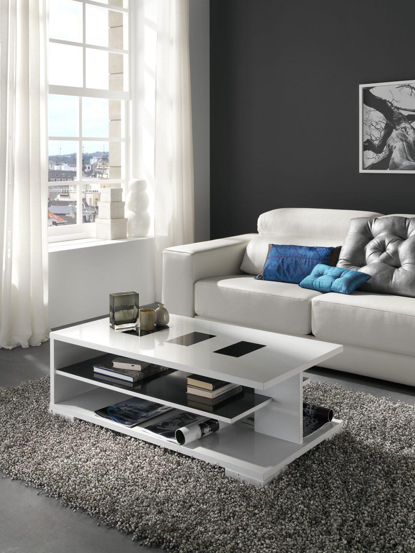 Mesa centro con un diseño especial de 110x60 con cristal decorativo y repisa. Variedad de combinaciones de color.