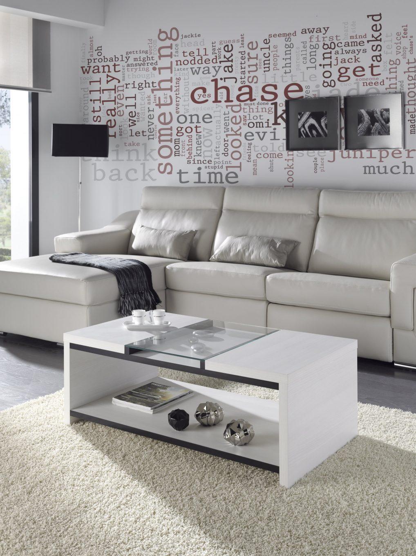 Mesa de centro fija de 110x60 con cristal central. Le da a tu salón un toque especial.