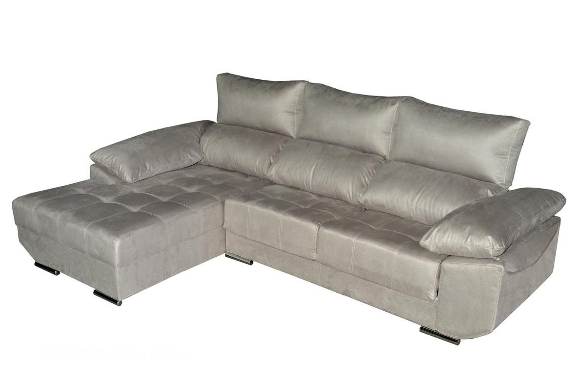 Chaiselongue de 275 cm o 295 cm con asientos deslizantes con posición punto a punto, respaldos reclinables, con una casi ilimitada posibilidad de tejidos y colores.