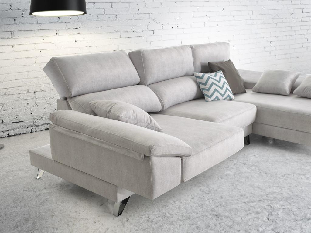 Elegante chaiselongue modular con un diseño innovador, con módulo chais.deslizante y patas en cromo de 12 cm. Gama muy variada de tapicerías.