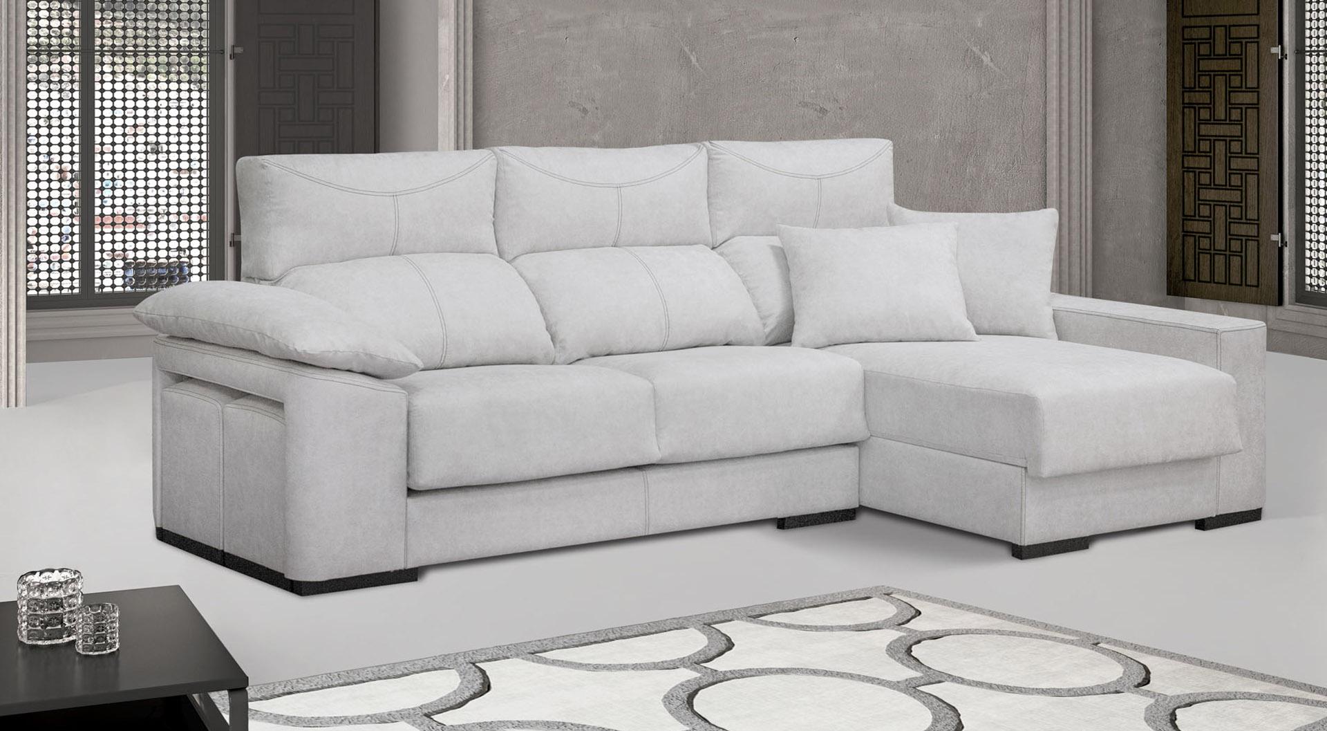 chaiselongue con posibilidad de 3+2 plazas con asientos deslizantes y respaldos reclinables, arcón y puff. Un sofá con encanto con diferentes variantes para un descanso a medida. Tapizados a elegir