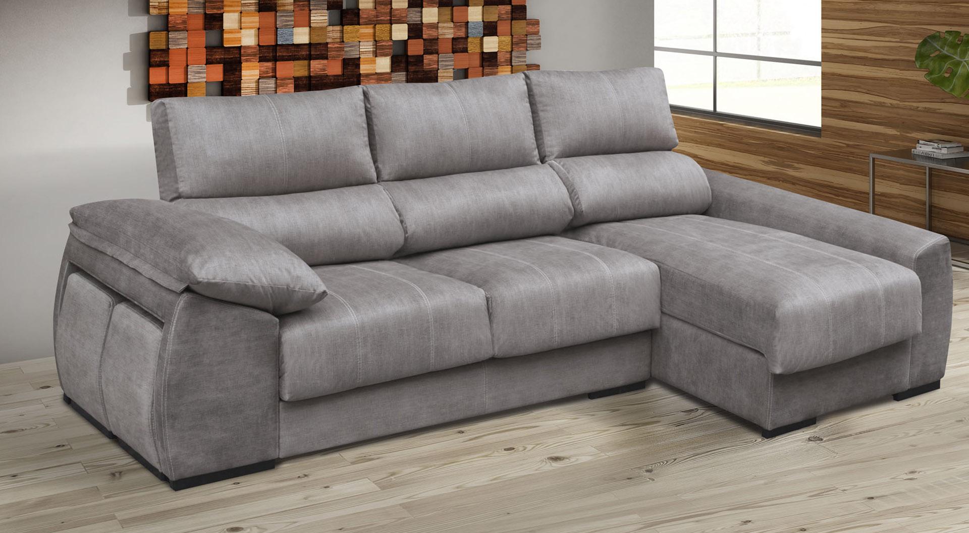 Chaiselongue o rinconera deslizante y reclinable con brazo puff, un sofá que se adopta fácilmente a todo tipo de estancias. Elige la medida y tapicería que más te encaje.