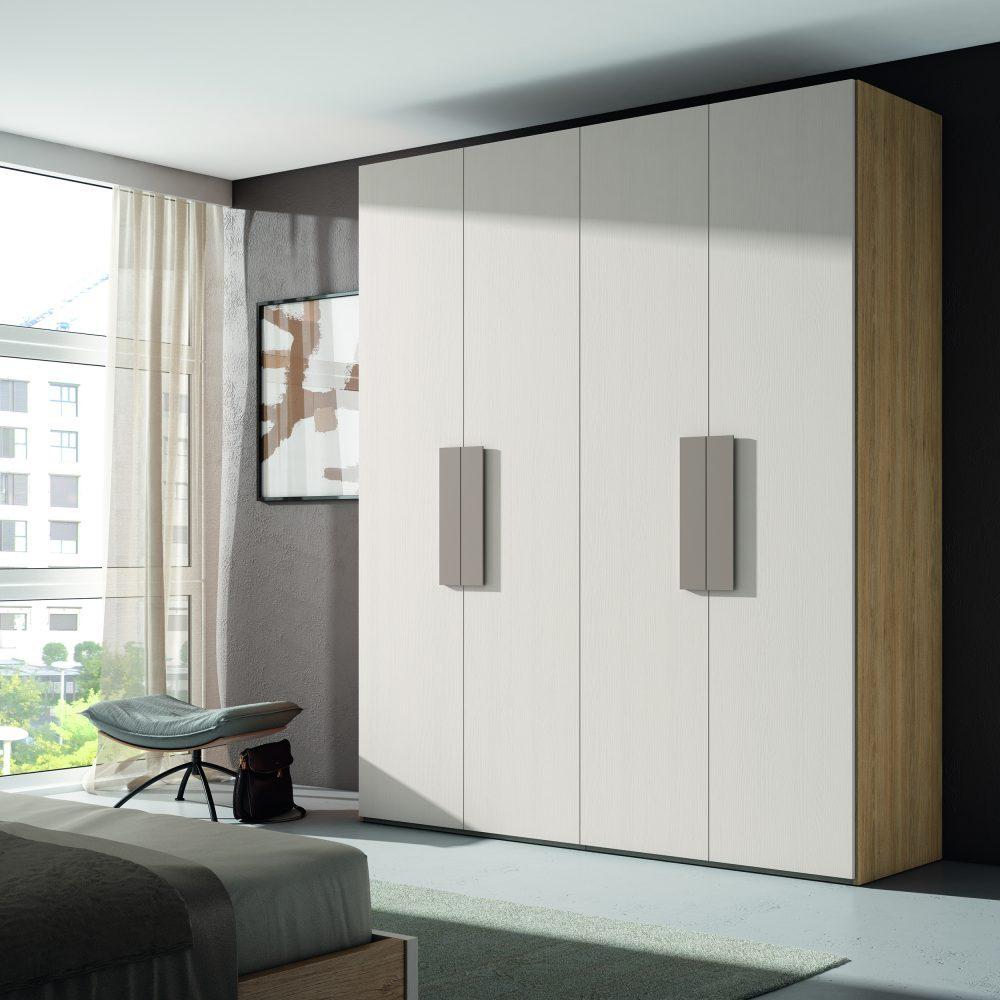 Armario con 4 puertas batientes o las que tu prefieras. Puedes jugar con varias combinaciones de distribución interior y aprovechar al máximo el espacio.