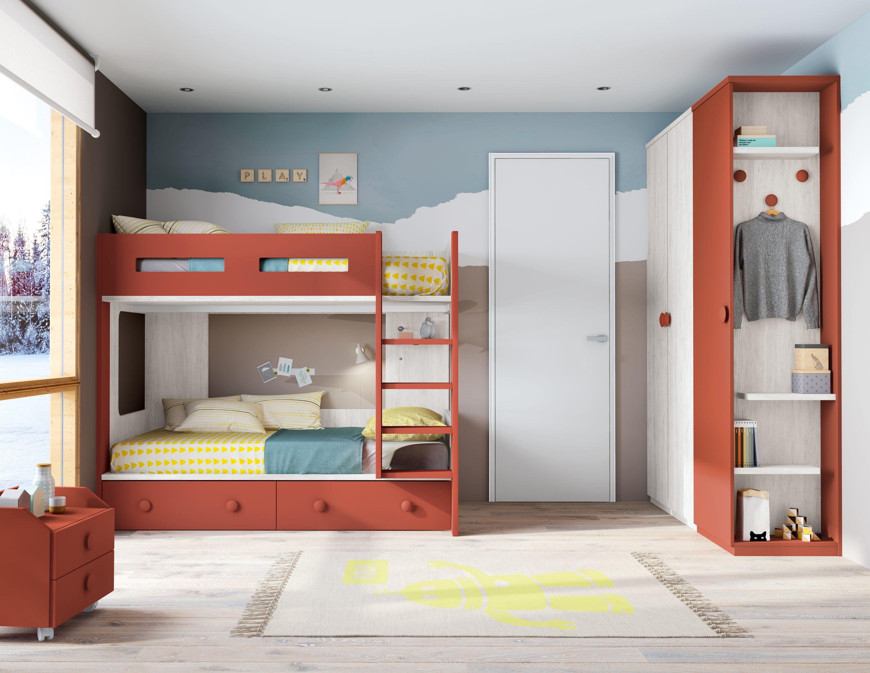 Dormitorio juvenil para dos que consta de una litera especial con una combinación de colores neutra y armario de 2 puertas con un original terminal con estantes decorativos.
